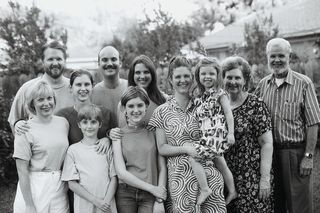 Intergenerational Family Group BW Foto